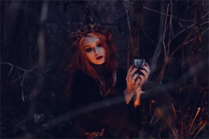 ハロウィンで魔女のコスプレ