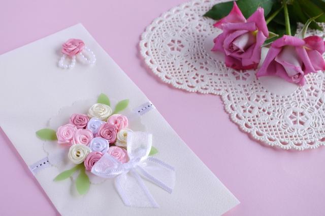 結婚式のお車代の書き方のマナーと封筒の入れ方や選び方をご紹介