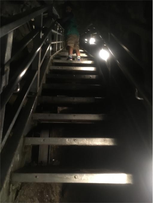 龍泉洞 階段